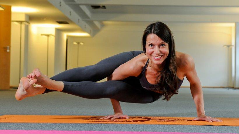 sport und entspannung sprinkenhof yoga im leer stehenden b ro hamburg aktuelle news aus. Black Bedroom Furniture Sets. Home Design Ideas