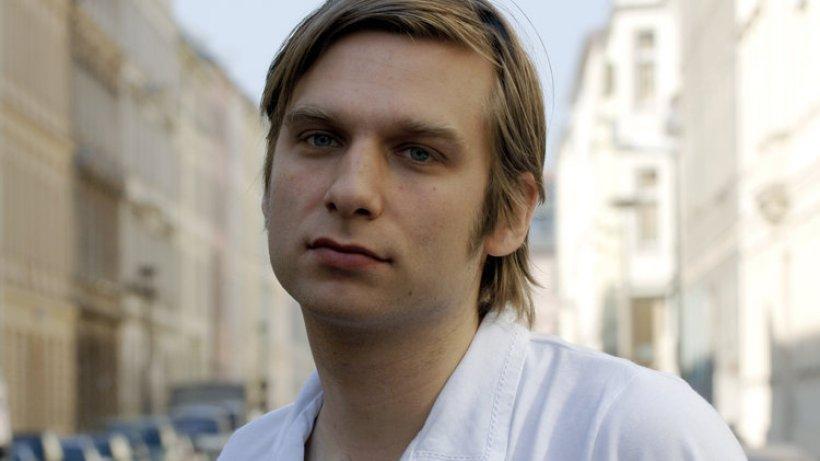Juli 2010 liest er zusammen mit Linus Volkmann