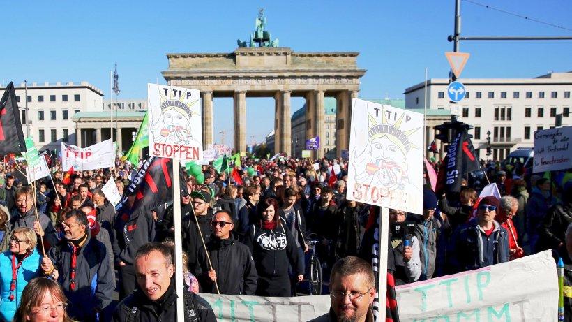 freihandelsabkommen hunderttausende demonstrieren in berlin gegen ttip nachrichten. Black Bedroom Furniture Sets. Home Design Ideas